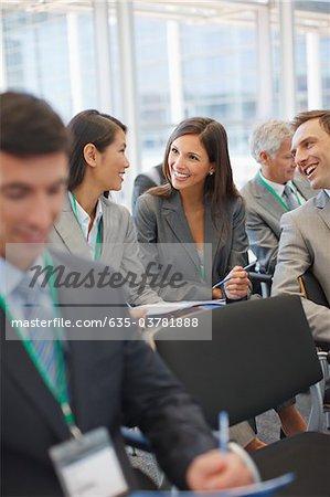 Séminaire de traitant de personnes entreprise dans office