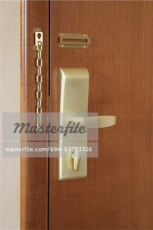 Poignée de porte et la serrure d'une chambre d'hôtel