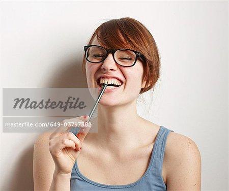Frauen mit Brille, lachen