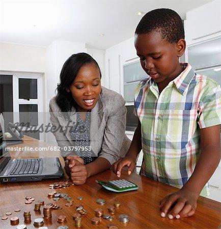 Mutter hilft Sohn Graf Geld, Johannesburg, Südafrika