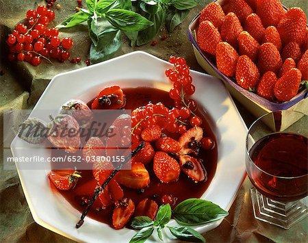 Soupe de fruits d'été épicé