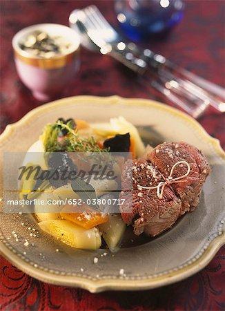 Beef fillet à la Ficelle,hollandaise sauce with truffles