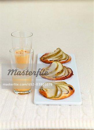 Tartelettes aux pommes et sauce à la mangue