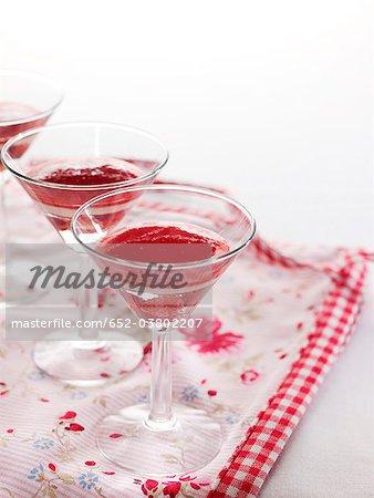 Verres de gelée de fraise