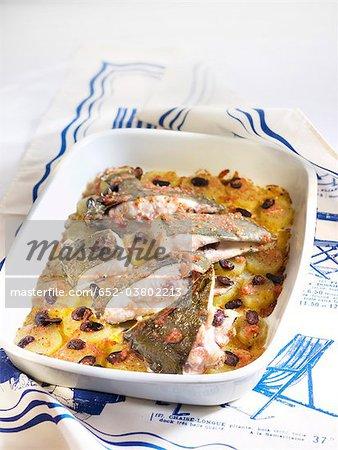 Saint-Pierre au four avec pommes de terre et olives