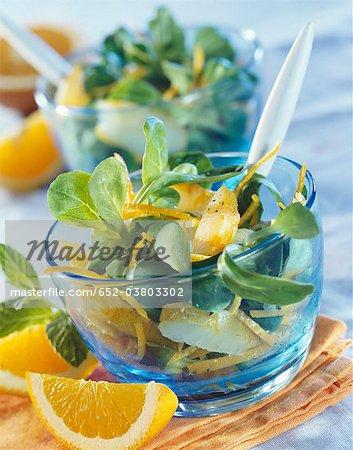 Salade de maïs, l'aiglefin et salade de zeste d'orange