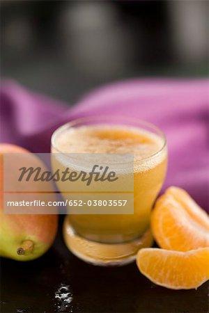 Smoothie poires, mandarin et abricot