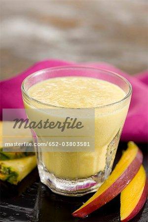 Milk-Shake Banane, mangue et ananas