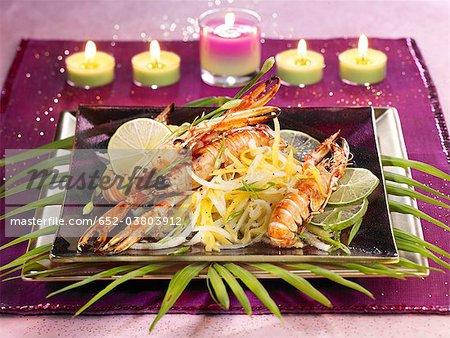 Caramélisées langoustines crevettes et papaye thaïlandais salade