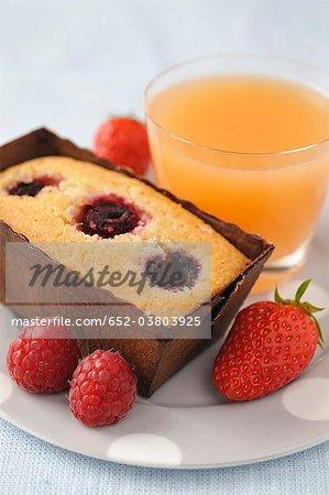 Himbeersaft Finanziers, Erdbeeren und grapefruit