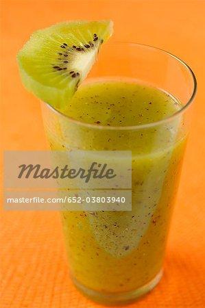 Smoothie de kiwi et la banane