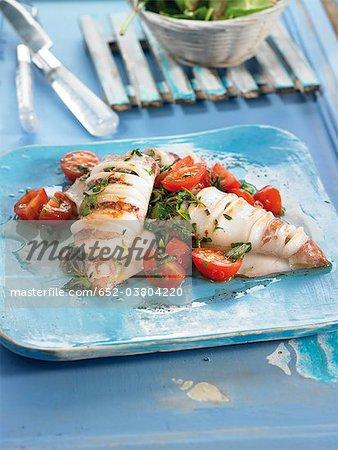 Calamars grillés aux tomates et fines herbes