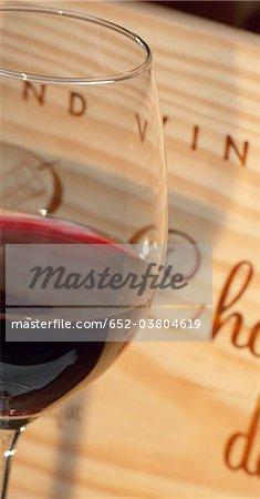 Verre de Bordeaux rouge