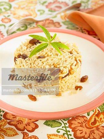 Basmati rice with raisins and walnuts