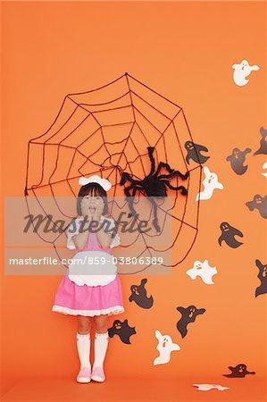 Japanische Mädchen für Halloween verkleidet