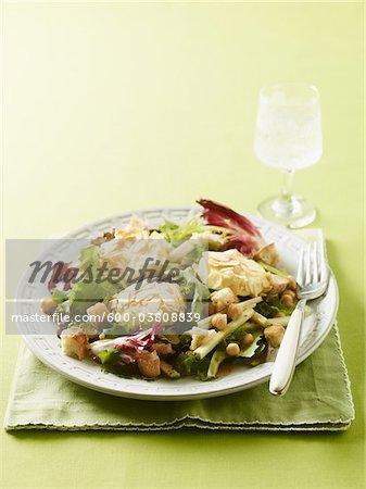 Salade de pommes et de fromage de chèvre