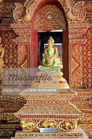 Thailand, Chiang Mai, Wat Phra Singh temple, jade Buddha