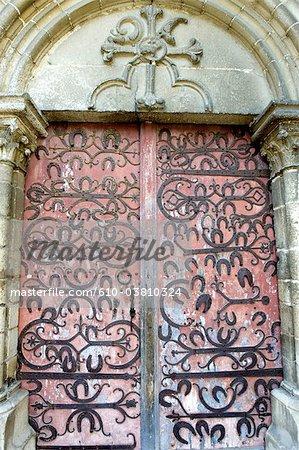 France, Bourgogne, porte de l'église, fer à cheval