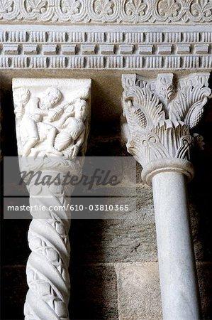Italie, Piémont, Mont Pirchiriano, di sacra San Michele, Caïn et Abel