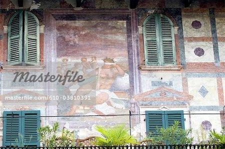 Italie, Verona, piazza delle erbe, façade