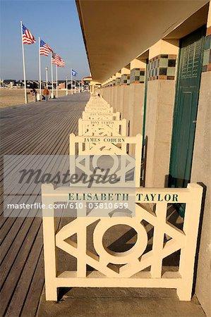 France, Normandie, Deauville, cabane de plage