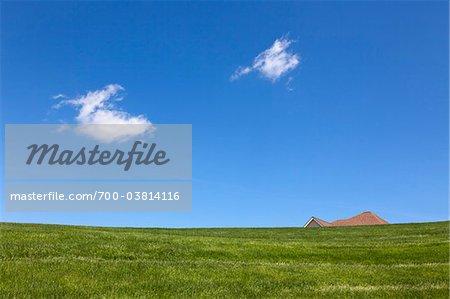 Dach des Hauses zu spähen, über Hügel, nahe West Chester, Pennsylvania, USA
