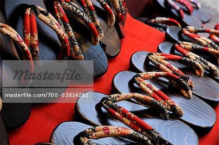 Chaussures japonaises traditionnelles, région du Kansai, Kyoto, Honshu, Japon
