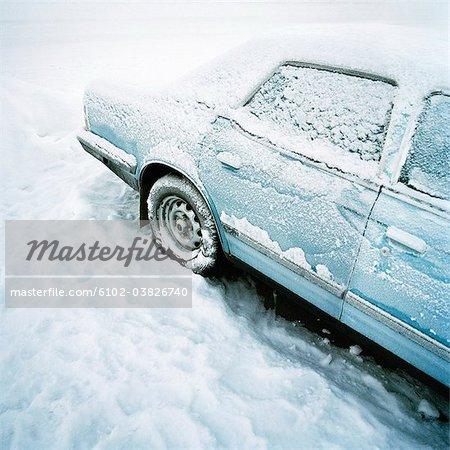 Une voiture glaciale, Kiruna, Suède.