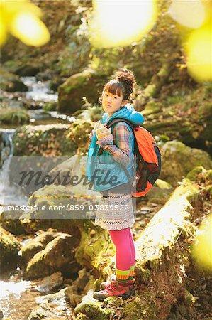 Junge Frau Wandern