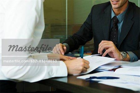 Personne qui a signé le document à la réunion avec la direction