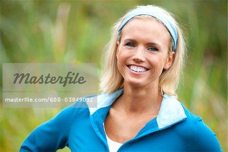 Portrait de femme en plein air