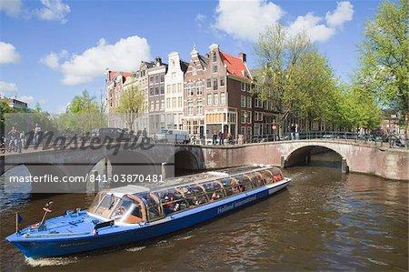 Bateau de croisière sur le Keizersgracht, Amsterdam, Pays-Bas, Europe