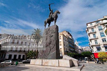 La statue de Abdel Kader au lieu Abdel Kader, Alger, Algérie, Maghreb, Afrique