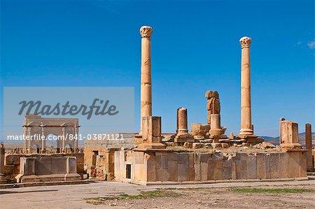 The Roman ruins, Timgad, UNESCO World Heritage Site, Algeria, North Africa, Africa