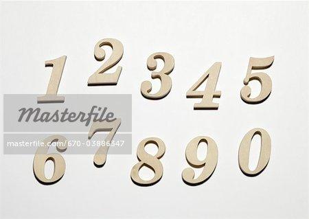 Numéros de ligne en bois