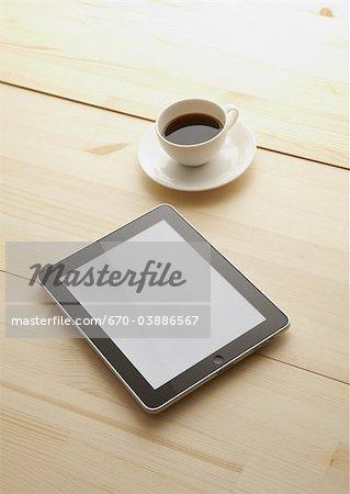 Tablet PC et café chaud