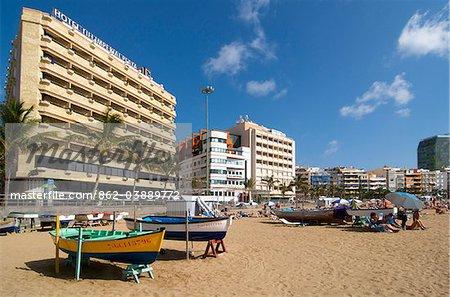 Pêche des bateaux sur la plage de Las Canteras à Las Palmas, Gran Canaria, Iles Canaries, Espagne