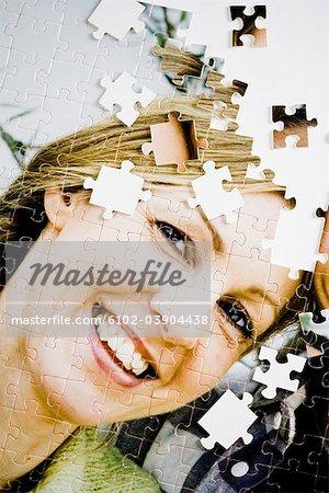 Un puzzle avec l'image d'un couple.