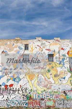 Graffiti an der Wand des Tacheles, Berlin, Deutschland