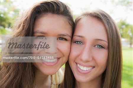Close-Up Portrait de deux adolescentes