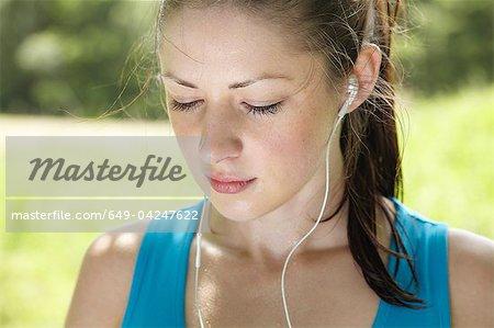 Läufer tragen von Kopfhörern