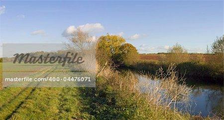 footpath alongside river avon stratford-upon-avon warwickshire england uk