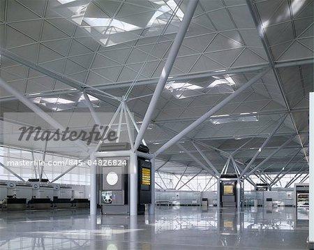 L'aéroport de Stansted, Essex, 1981-1991. Architectes : Foster Associates
