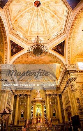 Golden Altar Pink Dome, Statues, Inside, Basilica of Lady of Guanajuato, Basilic de Nusetra Senora de Guanajuato, Mexico