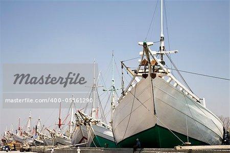 Makassar schooners (pinisi) in Sunda Kelapa