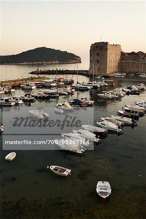 Boote im Hafen, Altstadt, Dubrovnik, Kroatien