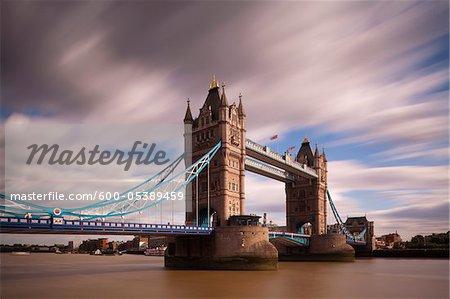 Tower Bridge et la Tamise, à Londres, Angleterre