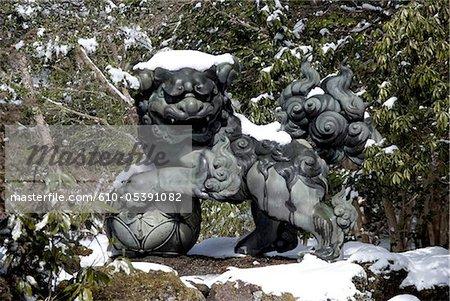 Japon, Hakone, lac Ashi, Hakone Gongen temple, statue