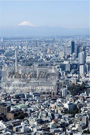 Japon, Tokyo, vue d'ensemble et le Mont Fuji en arrière-plan