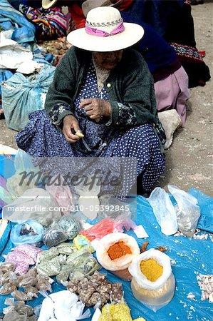 Pérou, marché de la province d'Urubamba, Chinchero,